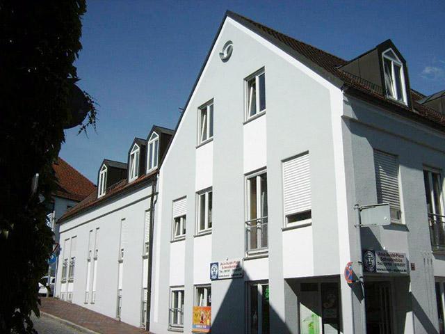 Malerarbeiten_an_Fassade_in_Freising-Unterer_Graben1