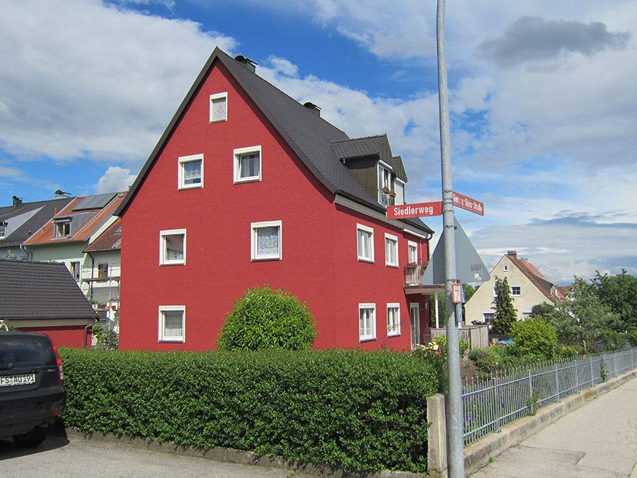 Malerarbeiten_an_Fassade_in_Freising,General-von-Stein-Straße